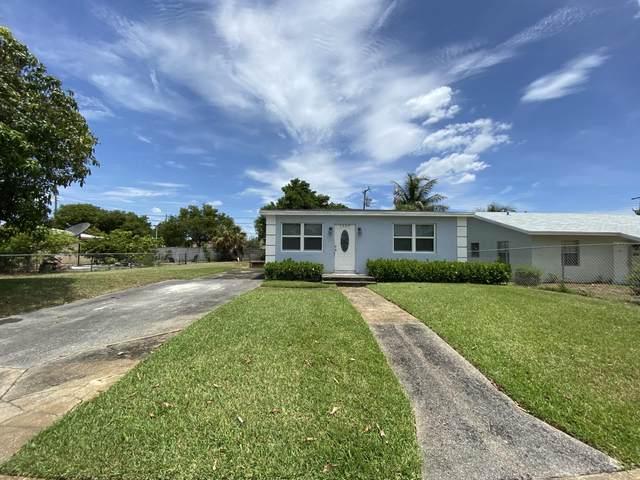 1569 W 21st Street, Riviera Beach, FL 33404 (#RX-10636473) :: Ryan Jennings Group