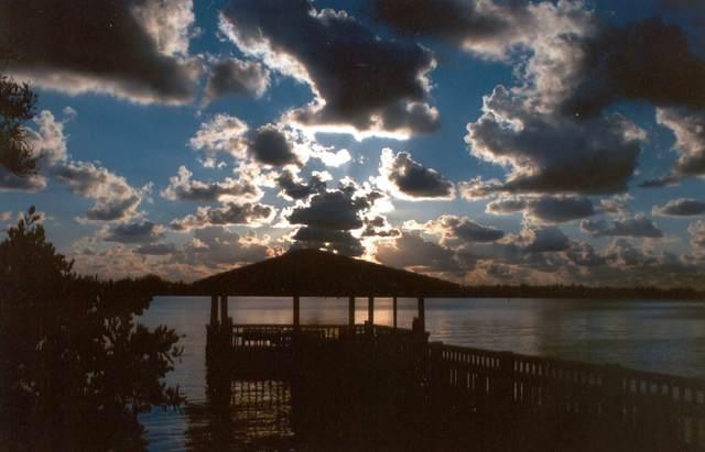 127 N Lakeshore Drive, Hypoluxo, FL 33462 (#RX-10636581) :: Ryan Jennings Group