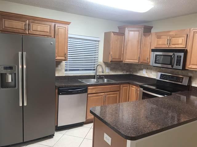 1402 Nebraska Avenue 15 A, Fort Pierce, FL 34950 (#RX-10636652) :: Ryan Jennings Group