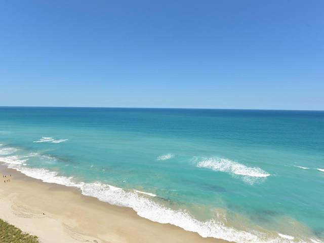 9500 S Ocean 1901 Drive #1901, Hutchinson Island, FL 34949 (MLS #RX-10637252) :: Berkshire Hathaway HomeServices EWM Realty