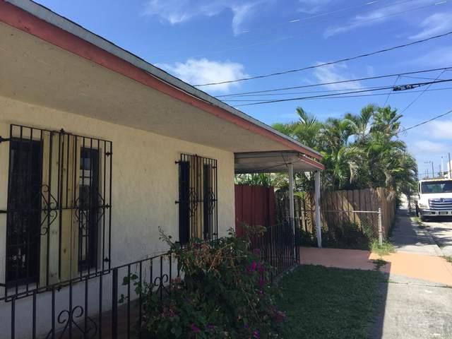 5615 Webster A Avenue, West Palm Beach, FL 33405 (#RX-10639398) :: The Rizzuto Woodman Team