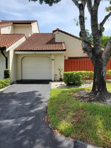1800 Embassy Drive #107, West Palm Beach, FL 33401 (#RX-10640213) :: Ryan Jennings Group