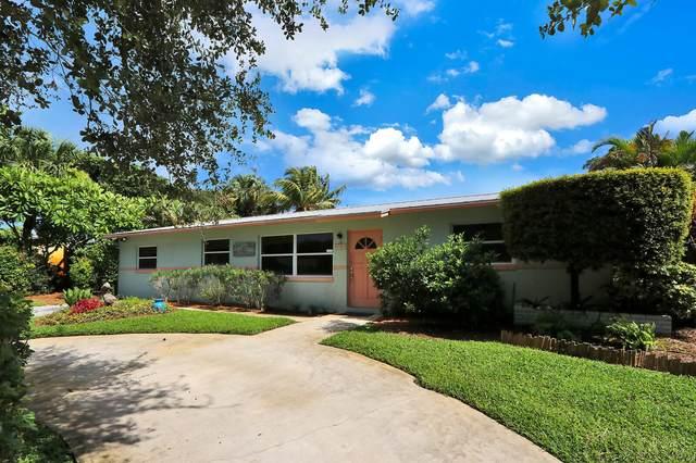 2421 Holly Lane, Palm Beach Gardens, FL 33410 (#RX-10640688) :: Ryan Jennings Group