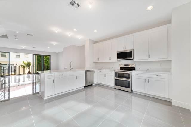 633 Windward Circle N #17, Boynton Beach, FL 33435 (MLS #RX-10640783) :: Berkshire Hathaway HomeServices EWM Realty