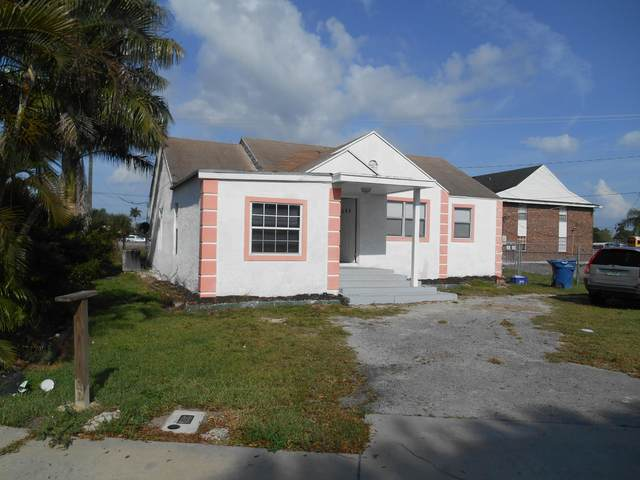 554 SE 1st Street, Belle Glade, FL 33430 (#RX-10641077) :: Posh Properties