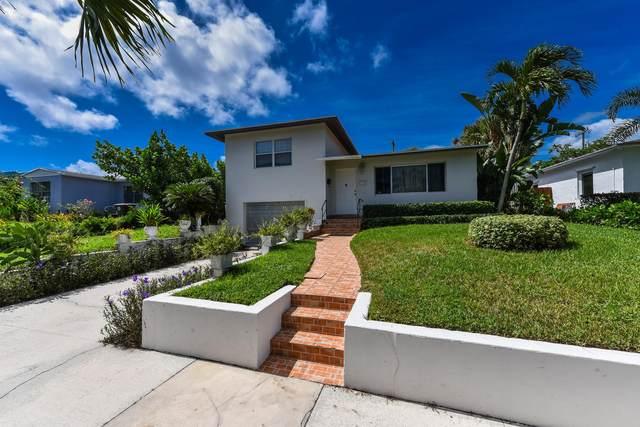 724 Kanuga Drive, West Palm Beach, FL 33401 (#RX-10641862) :: The Rizzuto Woodman Team