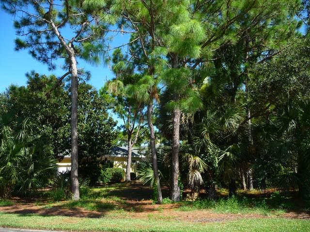 797 Hampton Woods Lane SW, Vero Beach, FL 32962 (#RX-10643031) :: Ryan Jennings Group