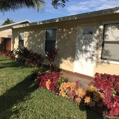7430 San Castle Boulevard, Lantana, FL 33462 (#RX-10643290) :: Posh Properties