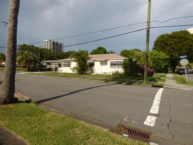 5208 Spruce Avenue, West Palm Beach, FL 33407 (#RX-10643295) :: The Rizzuto Woodman Team
