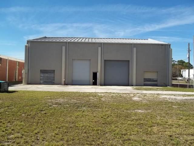 704 N 39th Street, Fort Pierce, FL 34947 (#RX-10643527) :: The Rizzuto Woodman Team