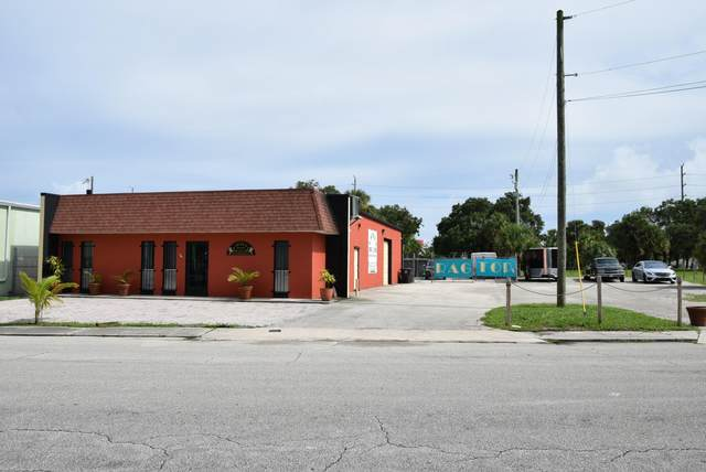 1422 Okeechobee Road, West Palm Beach, FL 33401 (#RX-10643832) :: The Rizzuto Woodman Team