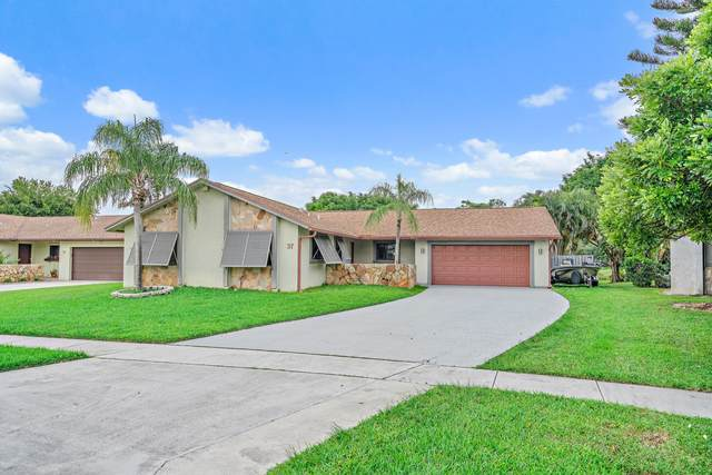 37 Vista Del Rio, Boynton Beach, FL 33426 (#RX-10645342) :: Manes Realty Group