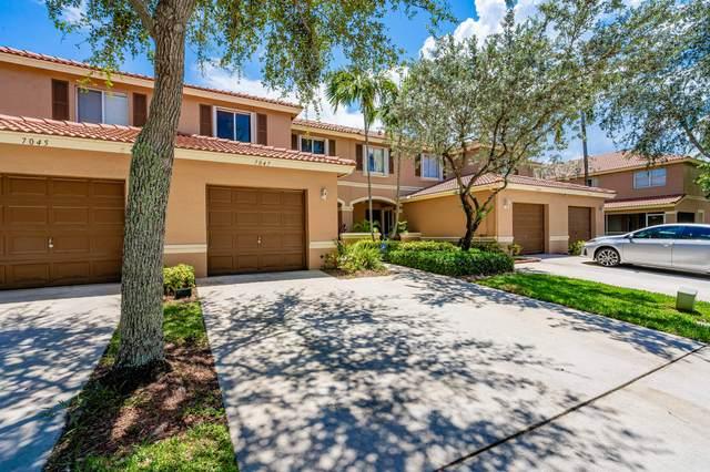 7047 Hawks Nest Terrace, Riviera Beach, FL 33407 (#RX-10645454) :: Manes Realty Group