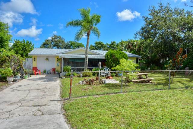 1305 NE Silver Maple Way, Jensen Beach, FL 34957 (MLS #RX-10646088) :: The Paiz Group