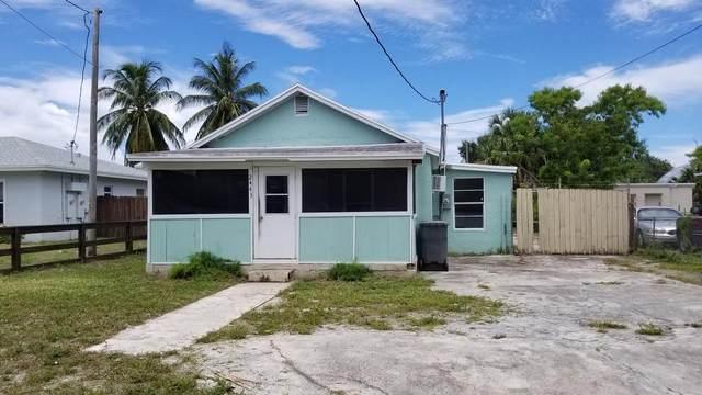 2443 Saranac Avenue, West Palm Beach, FL 33409 (#RX-10646283) :: The Rizzuto Woodman Team