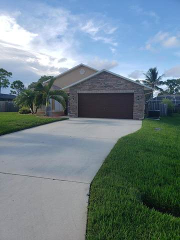 637 SE Sweetbay Avenue, Port Saint Lucie, FL 34983 (MLS #RX-10646347) :: Laurie Finkelstein Reader Team