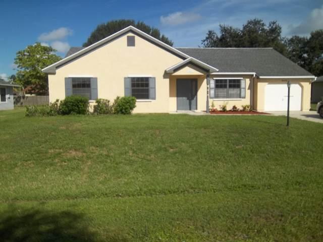 2472 SE Allen Street, Port Saint Lucie, FL 34984 (#RX-10646776) :: The Rizzuto Woodman Team