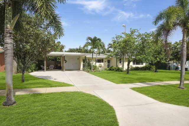 717 Alamanda Drive, North Palm Beach, FL 33408 (#RX-10646809) :: The Rizzuto Woodman Team