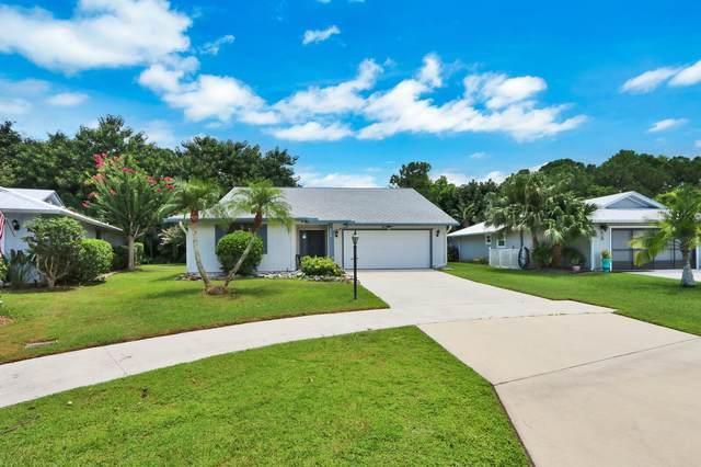 6894 SE Raintree Avenue, Stuart, FL 34997 (#RX-10646831) :: The Rizzuto Woodman Team
