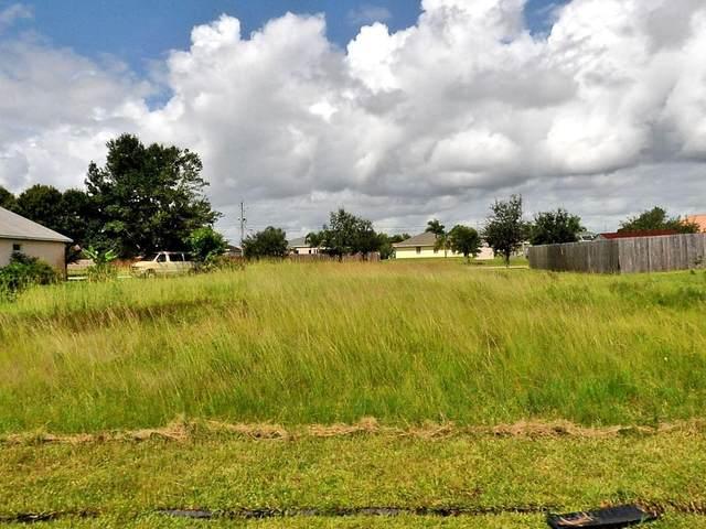 3013 SE Galt Circle, Port Saint Lucie, FL 34984 (#RX-10646861) :: The Rizzuto Woodman Team