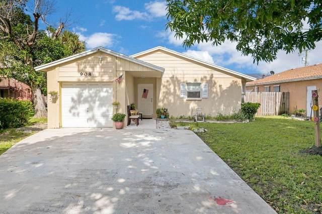 908 S N Street, Lake Worth Beach, FL 33460 (#RX-10647555) :: The Rizzuto Woodman Team
