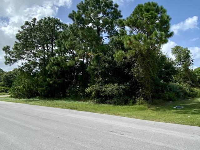 885 SW Trouville Avenue, Port Saint Lucie, FL 34953 (#RX-10649608) :: The Rizzuto Woodman Team