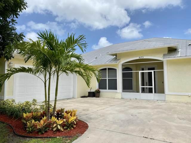 1633 SE Airoso Boulevard, Port Saint Lucie, FL 34983 (#RX-10650617) :: The Rizzuto Woodman Team
