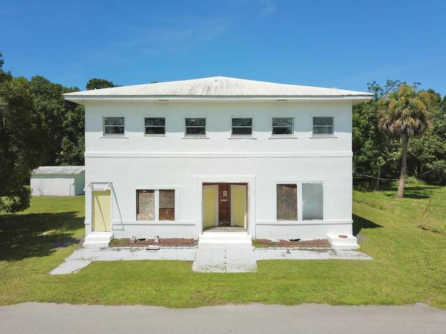210 SW 6th Avenue, Okeechobee, FL 34974 (#RX-10650702) :: The Rizzuto Woodman Team