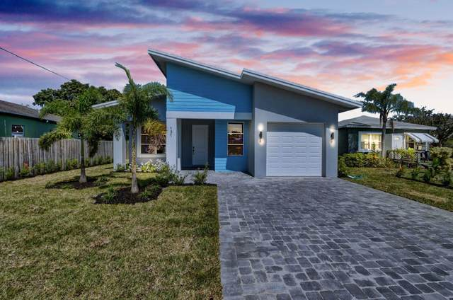 131 NW 7th Avenue, Delray Beach, FL 33444 (#RX-10650842) :: The Rizzuto Woodman Team