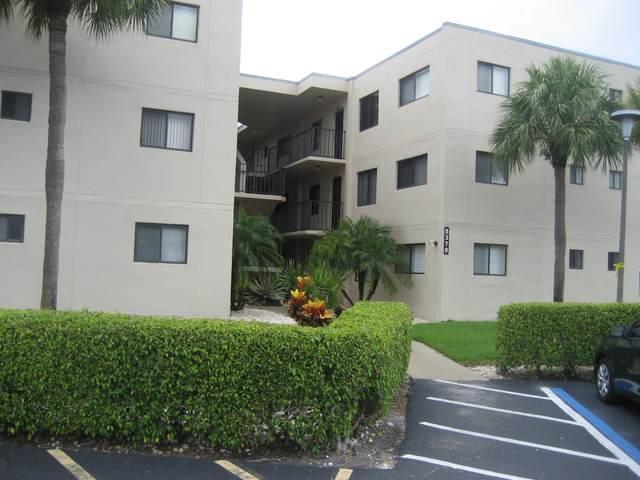 5370 Las Verdes Circle #202, Delray Beach, FL 33484 (MLS #RX-10651795) :: Berkshire Hathaway HomeServices EWM Realty