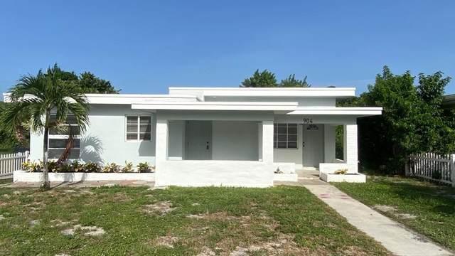 904 S K Street, Lake Worth Beach, FL 33460 (#RX-10652424) :: The Rizzuto Woodman Team