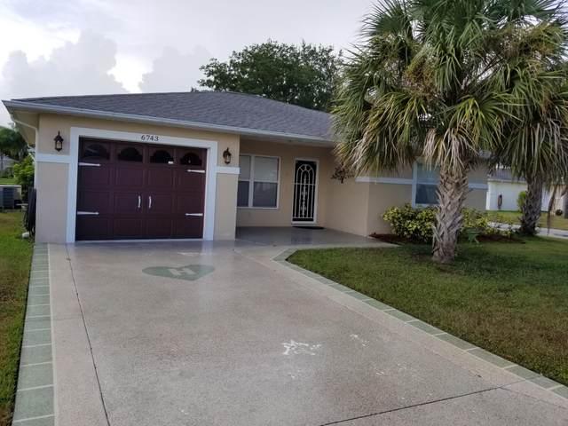 6743 Tulipan, Fort Pierce, FL 34951 (MLS #RX-10652925) :: Berkshire Hathaway HomeServices EWM Realty