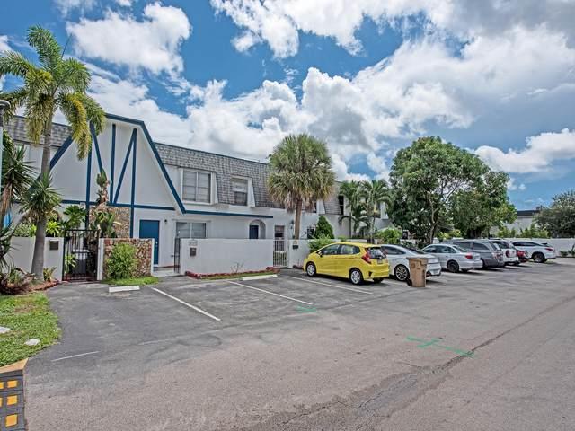 Davie, FL 33314 :: Berkshire Hathaway HomeServices EWM Realty