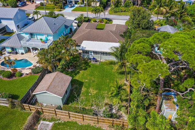 10858 SE Hobart Street, Tequesta, FL 33469 (#RX-10654297) :: The Rizzuto Woodman Team