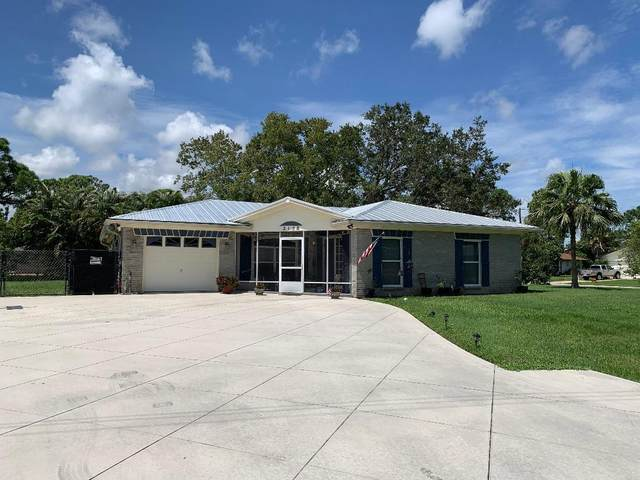 2102 SE Carnation Road, Port Saint Lucie, FL 34952 (#RX-10655960) :: The Rizzuto Woodman Team