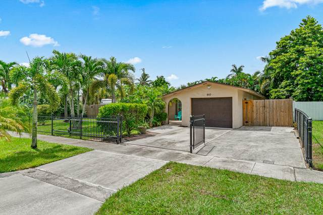 843 Camellia Drive, Royal Palm Beach, FL 33411 (#RX-10656010) :: Treasure Property Group