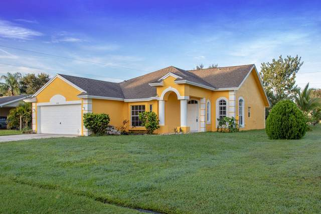 1252 SE Navajo Lane, Port Saint Lucie, FL 34983 (MLS #RX-10656154) :: Berkshire Hathaway HomeServices EWM Realty
