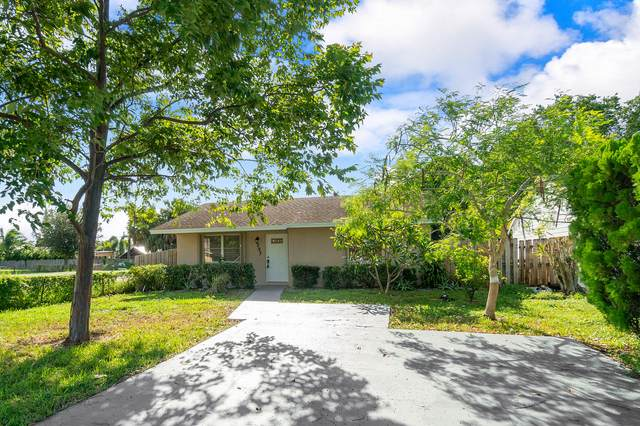 237 Martin Avenue, Greenacres, FL 33463 (#RX-10656855) :: The Rizzuto Woodman Team