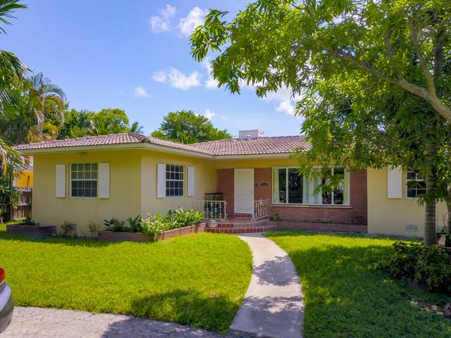 2726 Monroe Street, Hollywood, FL 33020 (#RX-10657366) :: The Rizzuto Woodman Team