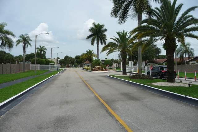 5160 Las Verdes Circle #203, Delray Beach, FL 33484 (MLS #RX-10657367) :: Berkshire Hathaway HomeServices EWM Realty