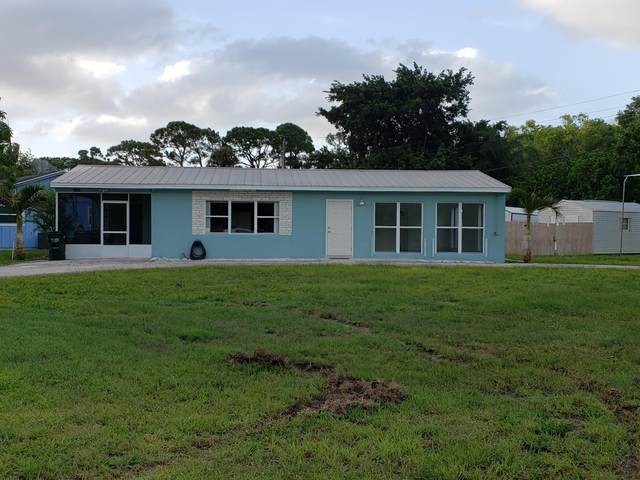 8389 SE Camellia Drive, Hobe Sound, FL 33455 (#RX-10657370) :: Realty One Group ENGAGE