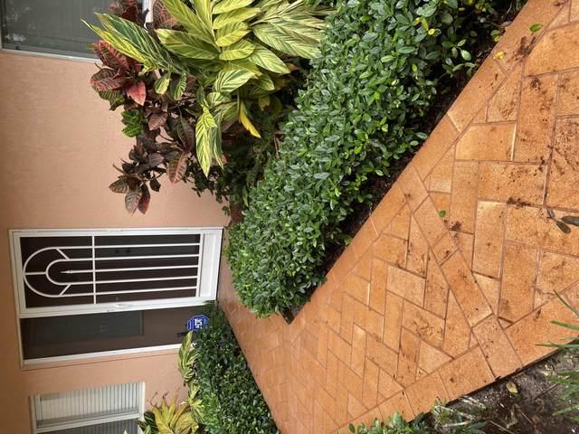 5874 Crystal Shores Drive Drive #105, Boynton Beach, FL 33437 (MLS #RX-10657570) :: Castelli Real Estate Services