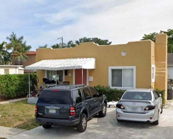 522 Colonial Road, West Palm Beach, FL 33405 (#RX-10657775) :: The Rizzuto Woodman Team