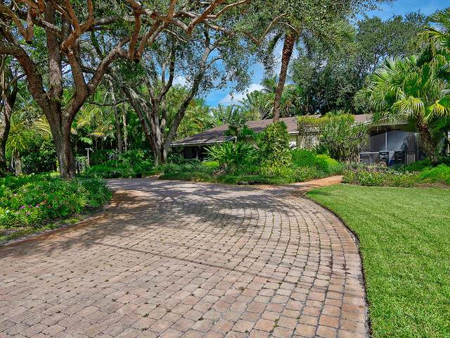 4919 Ridgewood Road, Boynton Beach, FL 33436 (#RX-10658219) :: Ryan Jennings Group