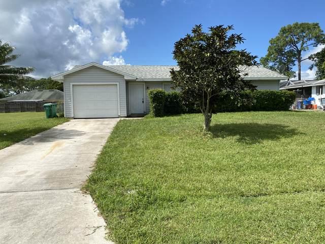 1154 SE Preston Lane, Port Saint Lucie, FL 34983 (#RX-10658507) :: Posh Properties
