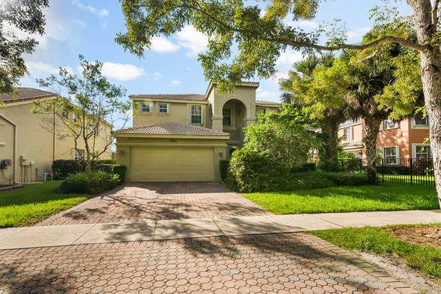 9741 Roche Place, Wellington, FL 33414 (MLS #RX-10659308) :: Laurie Finkelstein Reader Team