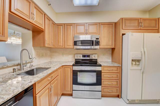 6866 Huntington Lane #304, Delray Beach, FL 33446 (#RX-10659574) :: Posh Properties