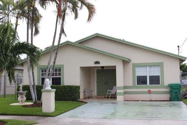 1041 W 10th Street, Riviera Beach, FL 33404 (MLS #RX-10660881) :: Berkshire Hathaway HomeServices EWM Realty