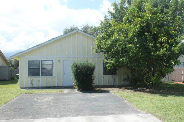 8713 Satalite Terrace, West Palm Beach, FL 33403 (MLS #RX-10661335) :: Berkshire Hathaway HomeServices EWM Realty