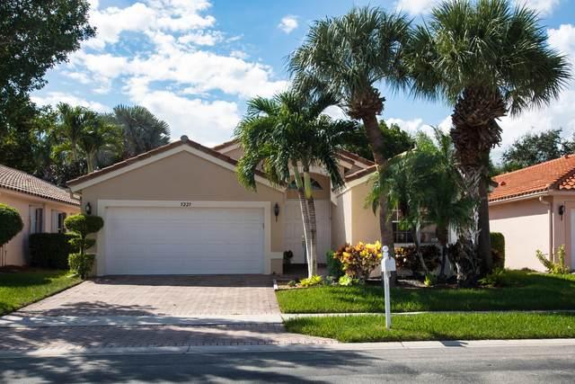 5225 Glenville Drive, Boynton Beach, FL 33437 (MLS #RX-10662773) :: Miami Villa Group